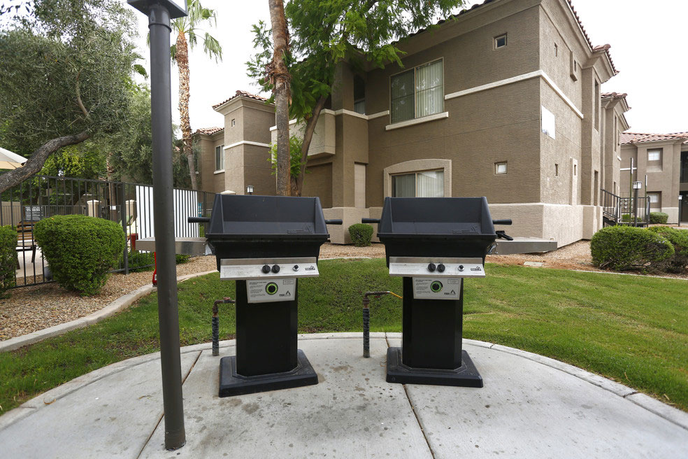 Traditions - Exterior - BBQ