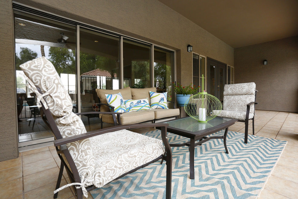 Traditions - Exterior Image - Lounge Area