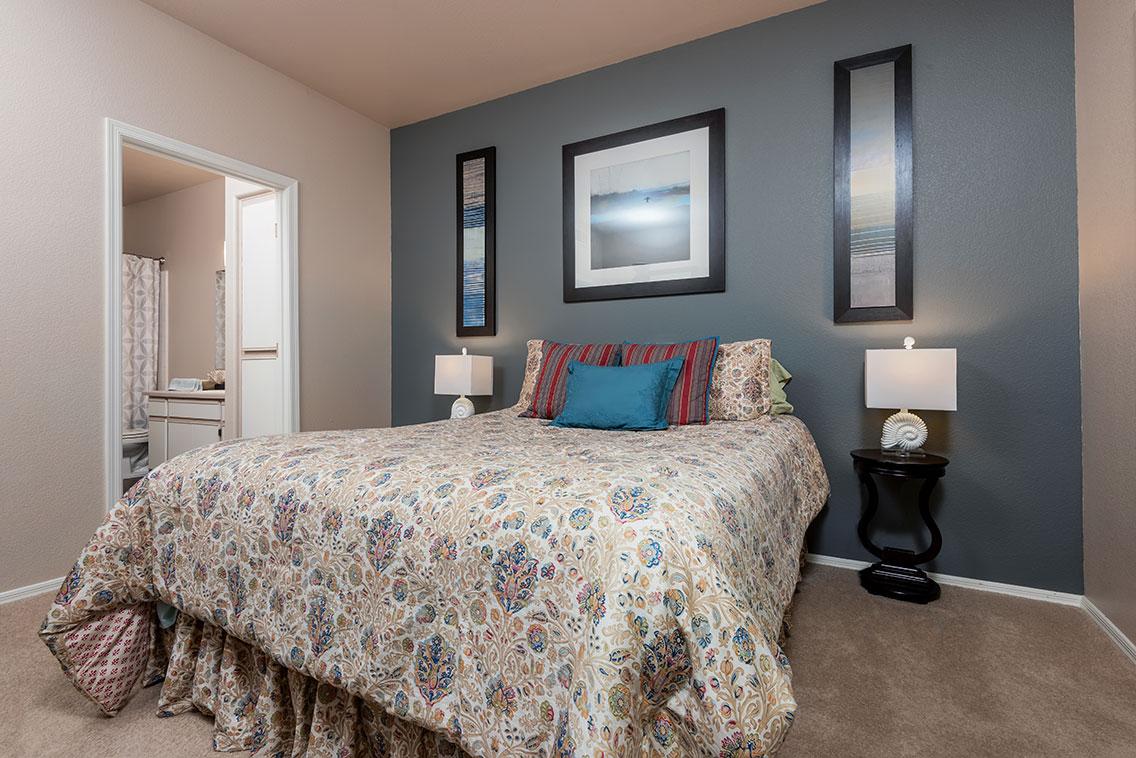 Traditions - Interior - Bedroom 2